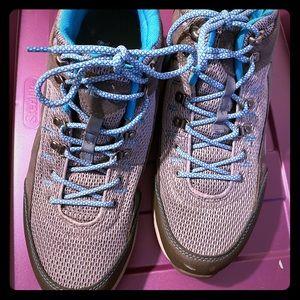 EUC Ladies Vionic Hiking Shoes, Size 12